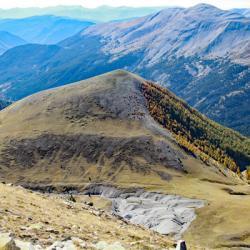 Le sommet vu de la crête de Denjuan.