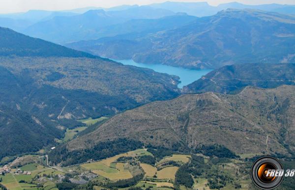 Lac de Castillon vu du sommet.