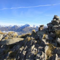 Le sommet et en fond le Vieux Chaillol.