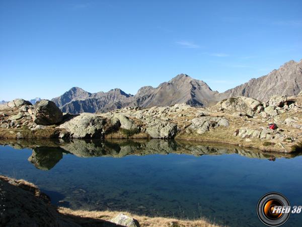 Le lac Lautier à 2363 m.
