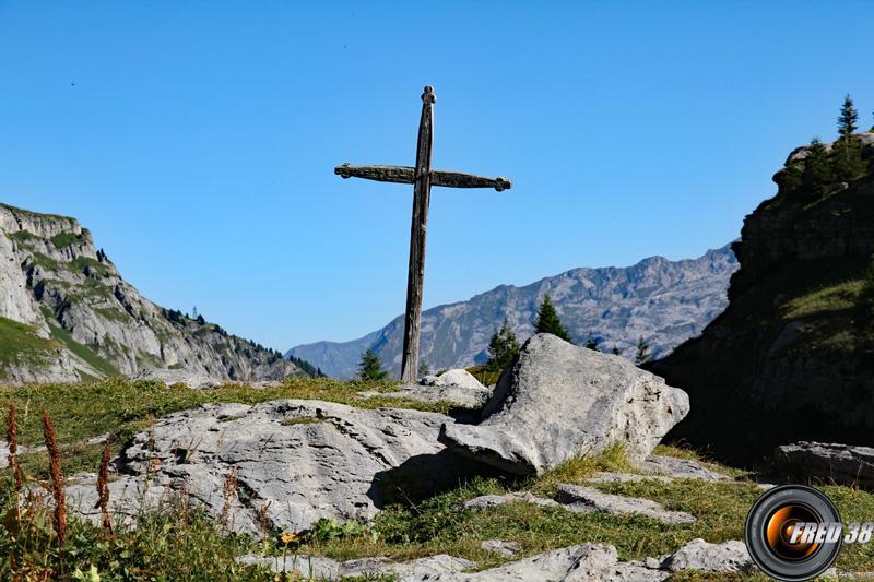 Croix de la chapelle.