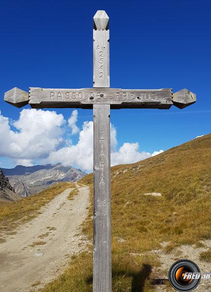 La croix du col