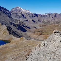 Lac et col de la Rocheure vus du sommet