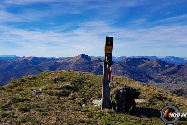 Le sommet et en fond la Toussière.