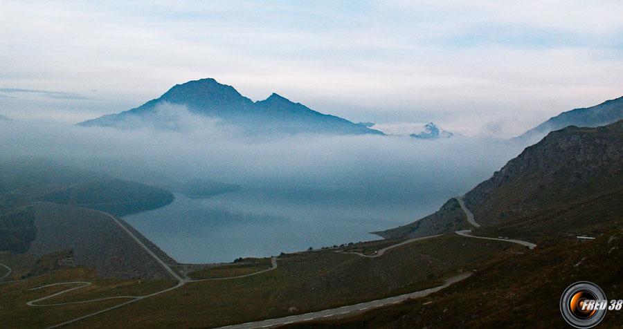 Lac et col du Mont-Cenis.