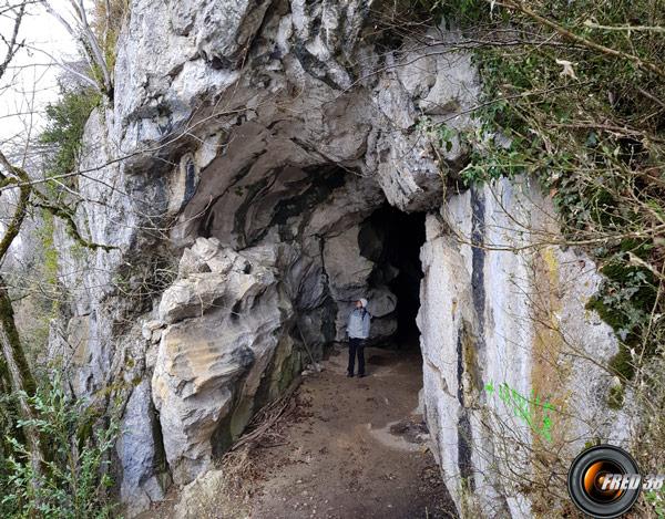 L'entrée de la grotte de l'Ermite