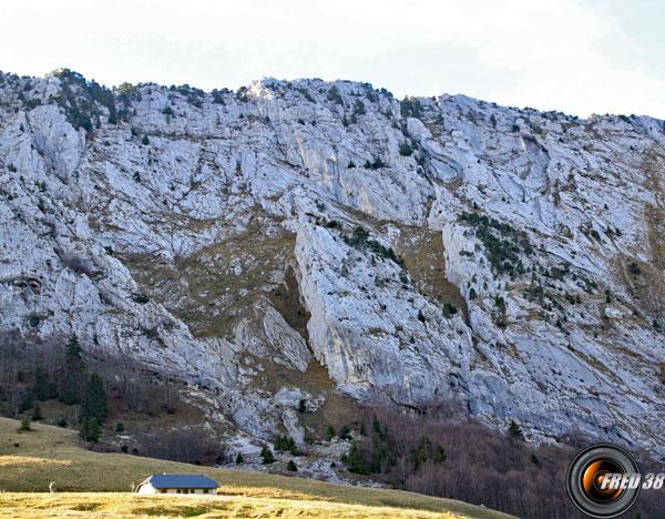 La falaise du Roc des Boeufs.