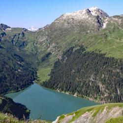 Grand Mont et lac de Saint-Guérin.