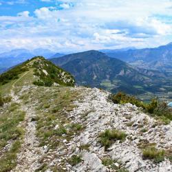 A droite la vallée du Buech