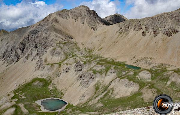 Les lacs de l'Aupillon et le sommet éponyme