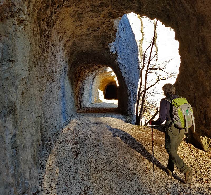 Les tunnels.