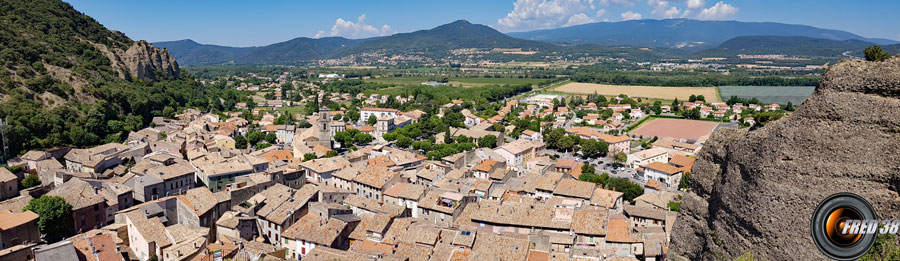 Le village vu de la Chapelle Saint-Roch.
