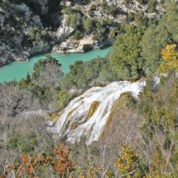 Au dessus de la cascade