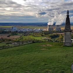 Notre Dame de l'atome.