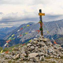 Le sommet et en fond le Cheval Blanc.