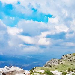 Le sommet et les crêtes d'accès.