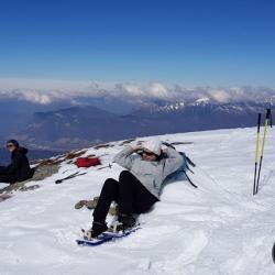 Le sommet, et en fond la Dent d'Arclusaz et le Mont Trélod.