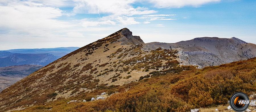 Le sommet et à droite la crête de la Traversière.