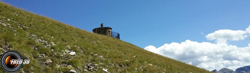 Le poste d'observation au dessus de la batterie de Cuguret.
