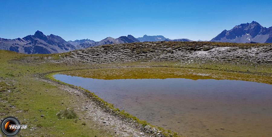 Les 2 petits lacs .