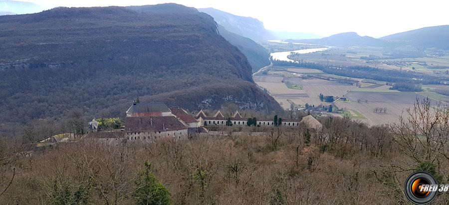 L'ancien  monastère fortifié de Pierre Chatel.