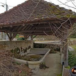 Le lavoir du hameau de Nant.