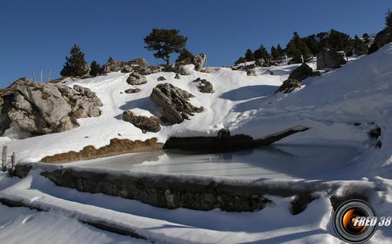 Le bassin près de l'Aulp du Seuil.