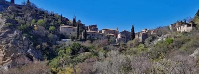 Vieux village de saint may photo